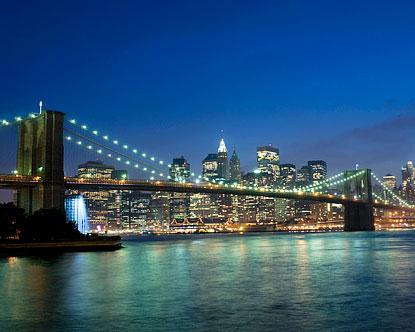 Вид ночью на Бруклинский мост