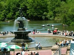 Фонтан в парке Нью-Йорка