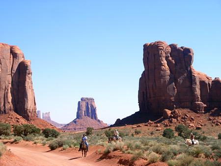 скалы в долине Монументов