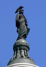 Статуя на вершине Капитолия