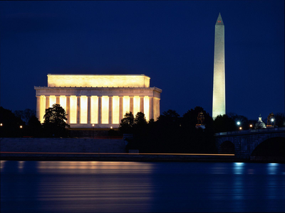 монумент Вашингтона ночью