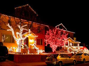 украшение домов на Рождество