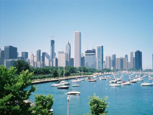 Вид на Чикаго и озеро Мичиган